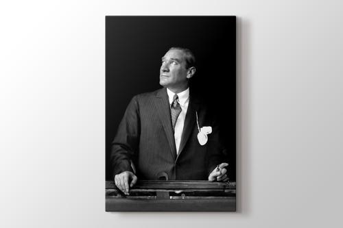 Atatürk trende görseli.
