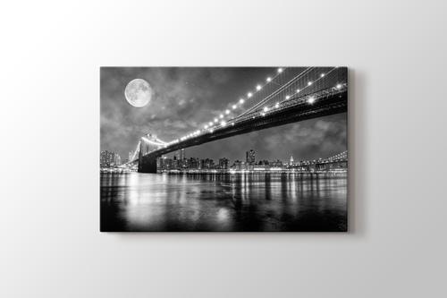 Brooklyn Bridge at Night görseli.