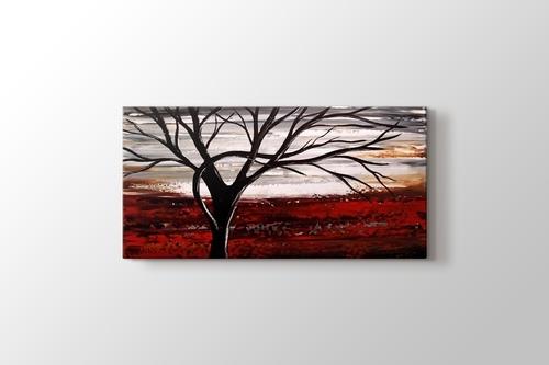 Tree on a Red Land görseli.