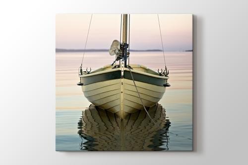 Boat on the River görseli.
