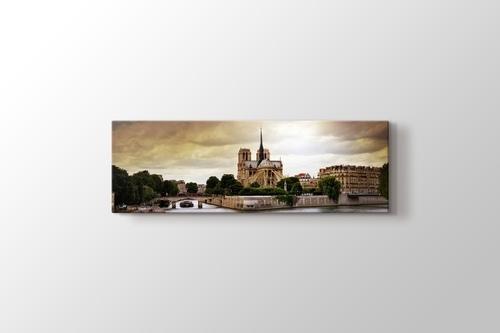 Notre Dame görseli.
