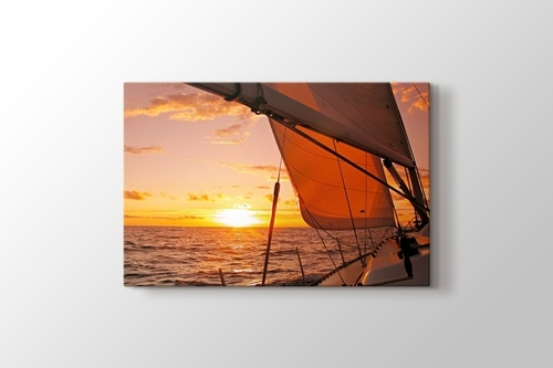 Sailing to Sunset görseli.