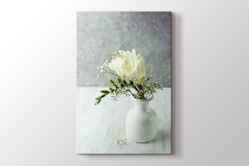 Vazoda Frezya Çiçekleri görseli.