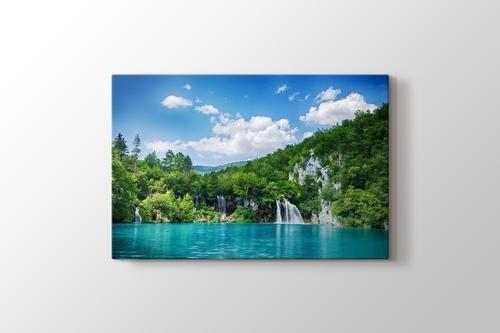 Plitvice Lakes görseli.