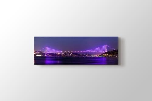 Boğaziçi Köprüsü gece manzarası görseli.