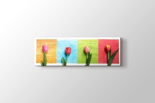 Four Tulips görseli.