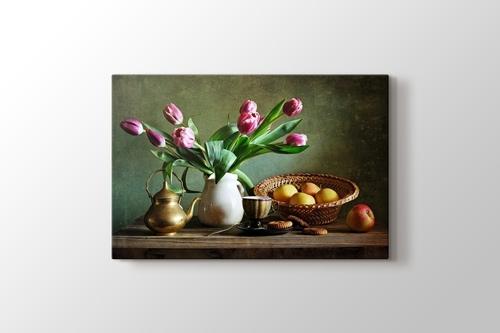 Tea and Tulips görseli.