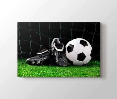 Futbol Topu Ve Kramponlar Kanvas Tablo Burada Pluscanvas
