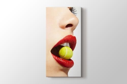 Tenis Topu ve Kırmızı Dudak görseli.