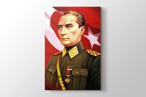 Atatürk ve Türk Bayrağı görseli.