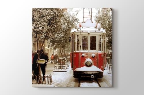 İstanbul - Snowing görseli.