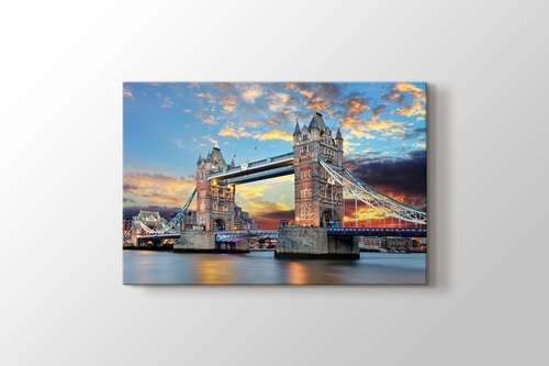 Tower Bridge görseli.