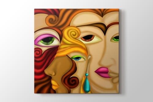 Üç Kadın görseli.