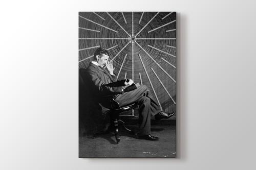 Nicola Tesla görseli.