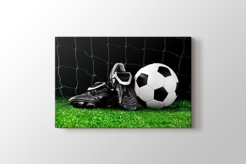 Futbol Topu ve Kramponlar görseli.