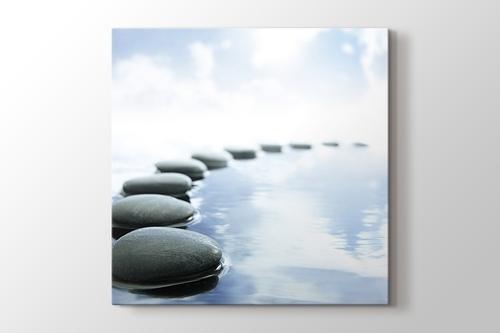 Gri su taşları görseli.