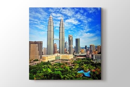 Malezia - Petronas Twin Towers görseli.