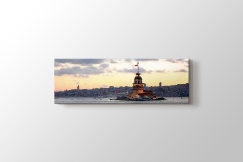 Kız Kulesi ve İstanbul silüeti görseli.