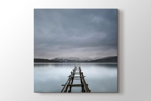 Shores of Loch Lomond Scotland görseli.