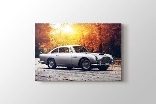 Aston Martin DB 5 görseli.