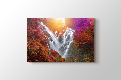 Pitugro Waterfall görseli.
