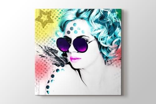 Popart Girl With Glasses görseli.