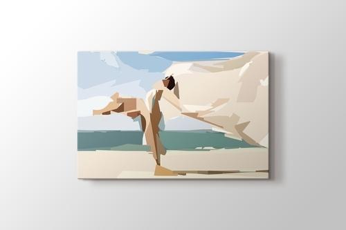 Woman on the Beach görseli.