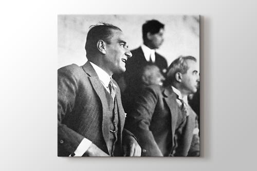 Mustafa Kemal Atatürk ve İsmet İnönü görseli.
