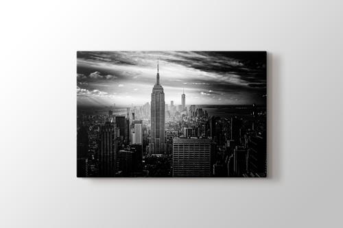 Empire States Building and Manhattan görseli.