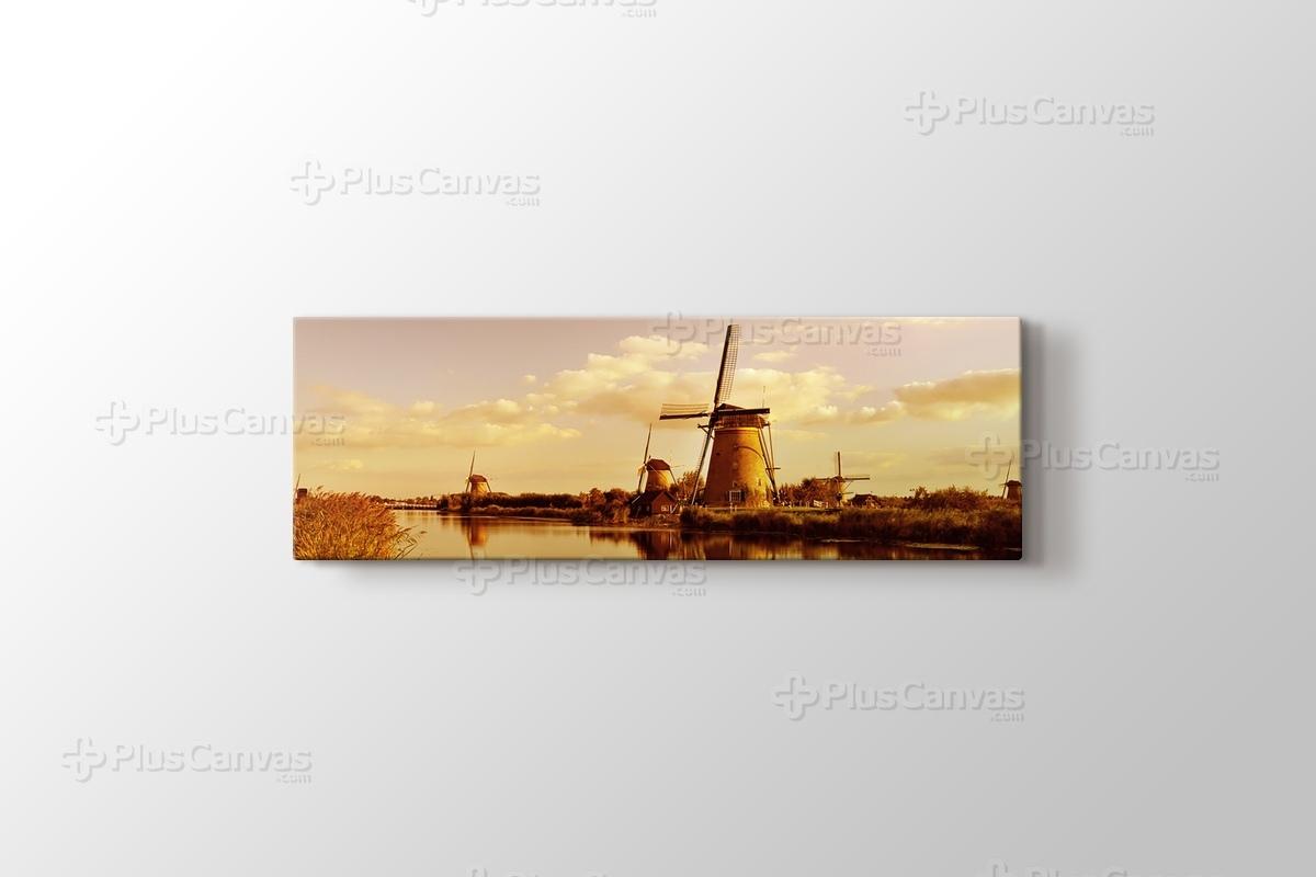 Holland - Wind Mills görseli.