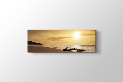 Beach at Sunset görseli.