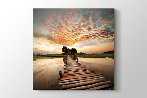 Günbatımında Nehir Manzarası görseli.
